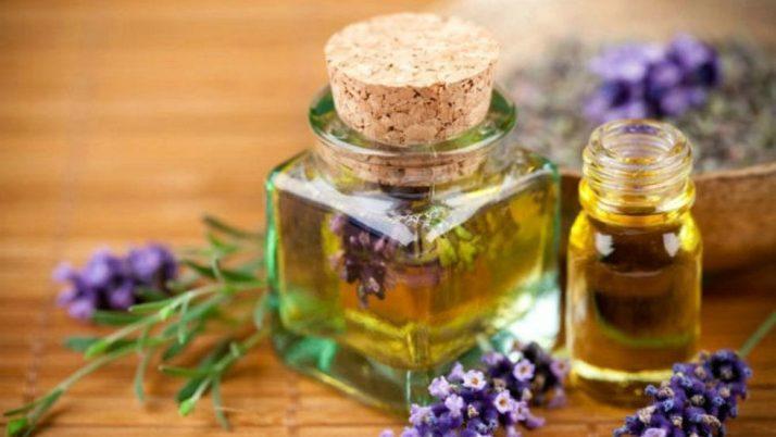 Tinh dầu Cửa sổ vàng có gì đặc biệt? Tại sao luôn cháy hàng