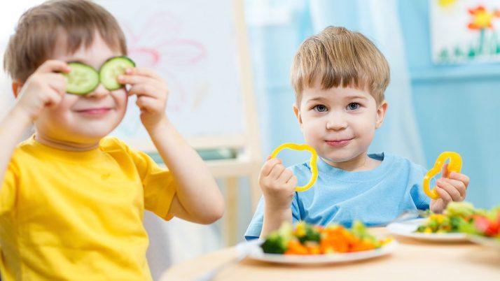 Làm sao để bữa ăn trở nên cuốn hút với trẻ