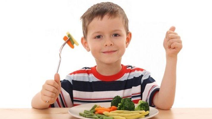 5 điều cha mẹ nên làm để tập hành vi ăn uống tốt cho trẻ